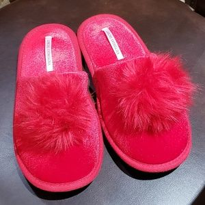 Victoria's Secret Red Pom Pom Slippers -M-7/8-EUC